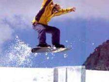 571708 0812 snowboarder