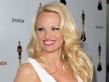Pamela Anderson are datorii uriase la Fisc