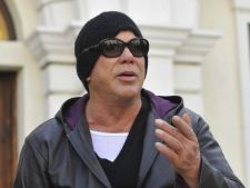 Mickey Rourke este bolnav de cancer?