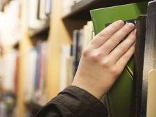 Atentie la cartile de la biblioteca: pot veni cu plosnite la pachet!