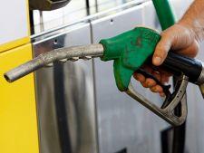 Petrom a ieftinit benzina si motorina