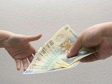 Salariile bugetarilor se vor reintregi in aceasta luna
