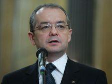 Emil Boc ii solicita premierului Ponta sa adopte ordonanta privind cresterea taxelor locale
