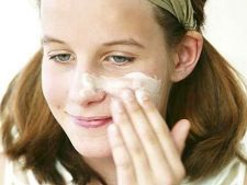 Ce trebuie sa stie adolescentii despre ingrijirea pielii