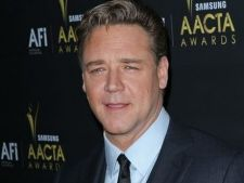 Russell Crowe viseaza sa ajunga in India