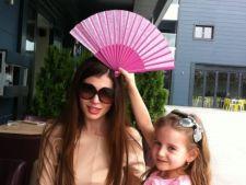 Monica Gabor va lipsi de la aniversarea fiicei sale