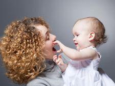 Strategie de prelungire a concediului maternal: Mamele obtin certificate de handicap pentru copii