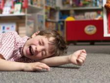 Cum calmezi crizele de nervi ale copilului
