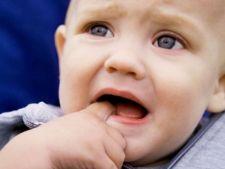 Eruptia dentara la bebelus: simptome si metode de alinare a durerii