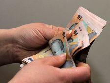 Salariul mediu net a crescut cu 122 de lei