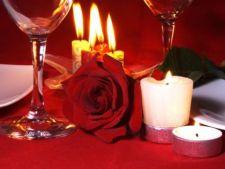 Cum sa decorezi masa pentru o cina romantica