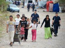 Sondaj: Circa 70% dintre romani considera ca romii sunt o problema pentru tara