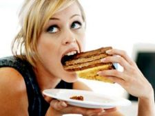 Mancatul compulsiv - Nu iti hrani emotiile cu calorii!