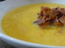 Supa - crema de morcovi cu pancetta