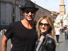 Adela Popescu si Radu Valcan asteapta room service-ul de Valentine's Day