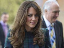 Ducesa de Cambridge, sfatuita sa-si cumpere mai putine haine
