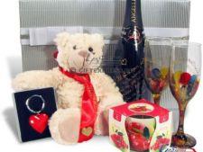 ADVERTORIAL: Cadouri inspirate pentru Dragobete si Ziua Femeii de la Giftexpress.ro