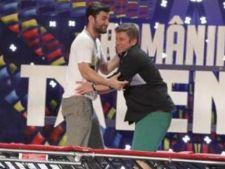 Smiley si Pavel Bartos fac sarituri cu trambulina la