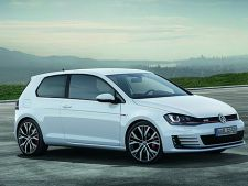 Volkswagen prezinta la Geneva versiunea de serie a lui Golf 7 GTI