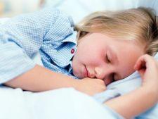 Studiu: Copiii care dorm bine noaptea au o memorie mai buna