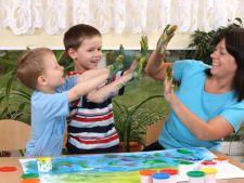 5 moduri sa iti ajuti micutul sa-si traiasca frumos copilaria