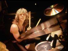 A murit Clive Burr, tobosar al trupei Iron Maiden