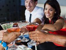 4 cocktailuri spirtoase usor de facut acasa, pentru o petrecere fastuoasa