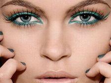 Produse de makeup care scot in evidenta ochii albastri