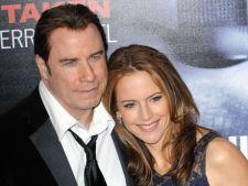 John Travolta divorteaza