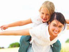 5 moduri sa reduci stresul de a fi parinte singur