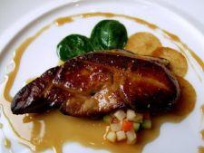 Foie gras cu spuma de lichior de oua