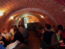 3 baruri din Bucuresti unde poti sa te distrezi cu buget restrans