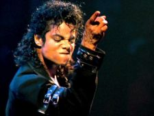 Michael Jackson isi facuse un implant antidrog