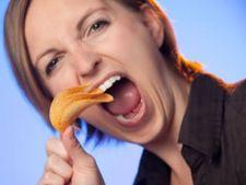 Cauza dependentei de chipsuri si dulciuri are un nume: hiperfagia hedonista!