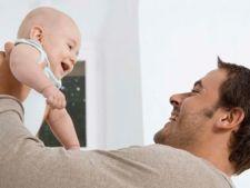 Ce simt bebelusii cand sunt luati in brate: procesele fiziologice descrise de un studiu japonez
