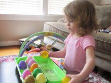 Cum sa-ti implici copilul in pregatirile de Paste