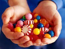 Dulciuri expirate de 5 ani si cafea cu furnici in automatele dintr-un spital de pediatrie din Brasov