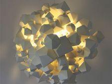 4 lampi suspendate pentru designul livingului