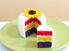 Tort de Paste in trei culori