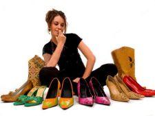 3 tipuri de pantofi care iti afecteaza picioarele