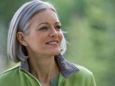 Cercetatorii au descoperit tratamentul care ajuta la colorarea permanenta a parului alb