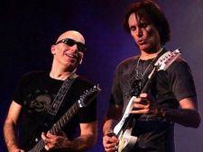 Joe Satriani l-a invatat pe Steve Vai sa cante la chitara
