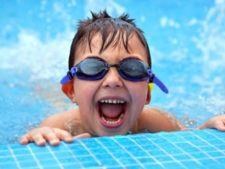 Clorul din piscina creste riscul de alergii la copii