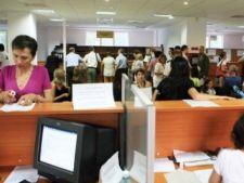 Concedieri masive in randul angajatilor de la stat. Peste 10.000 de romani ar putea fi disponibiliza