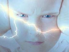 4 moduri prin care sa ii alungi copilului frica de furtuna