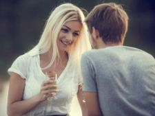 5 semne ca  esti atrasa sexual de un amic