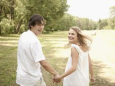 Cum sa iti mentii relatia de dragoste fericita pe timpul verii