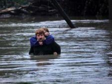 Vremea, din ce in ce mai ciudata: inundatii grave in Cehia, ninsori abundente in Franta