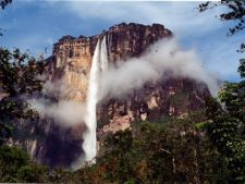 4 cascade faimoase care-ti taie rasuflarea prin maretia lor