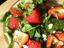 Salata racoritoare cu spanac si caspsuni